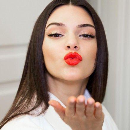 Kendall Jenner crée un rouge à lèvres pour Estée Lauder