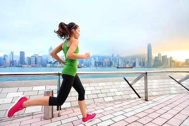 Saatte 8 km hız ile koşmak = 1.074 kalori