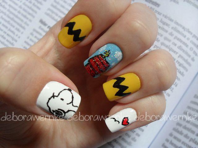 Hello bee's, nail art de hoje especial pro dia das crianças que eu sei que é amanhã!  Essa é para as Snoopy Lovers ♥  Foi bem dificil escolher um personagem pra essa data, já que eu sou aloka dos desenhos animados e assisto vários até hoje :D Obviament Gorgeous nails for you. Click Here - http://www.amazon.com/gp/product/B005X2F7JY/ref=as_li_ss_tl?ie=UTF8=1789=390957=B005X2F7JY=as2=mantosuc-20