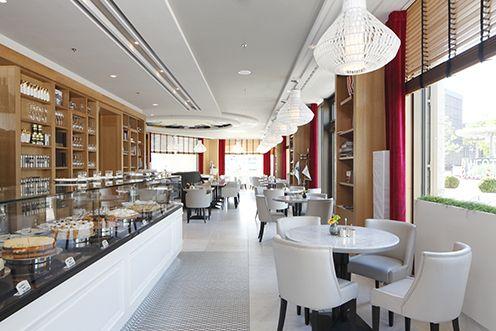 Cafe at the Waldorf Astoria, Berlin