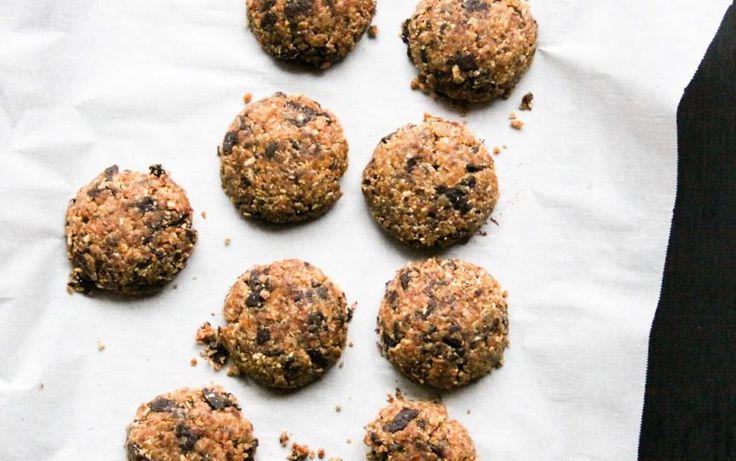 Fursecuri fără foc cu ciocolată și cereale - RawCoco - Cofetărie si Ceainarie Raw Vegan