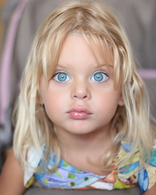 Blueeyes Laloylila Kids Most Beautiful Eyes Beautiful Eyes