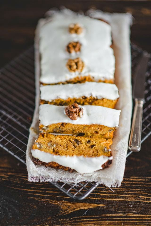 light carrot cake (no white flour or sugar)