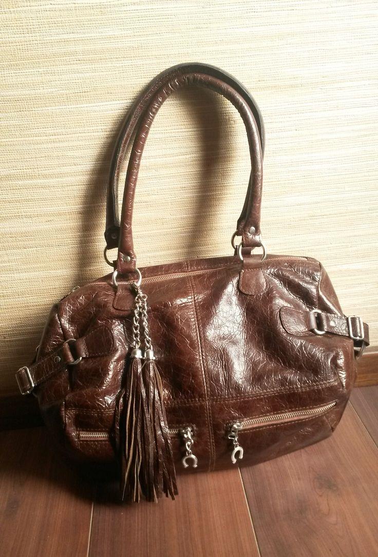 Color marrón. Tamaño grande. #bags #leatherware