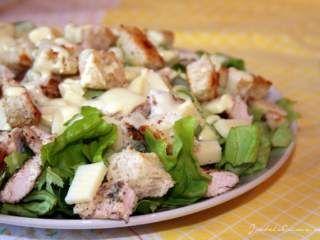 Salata Caesar cu sos de iaurt