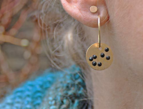 øreringe med forgyldt plade