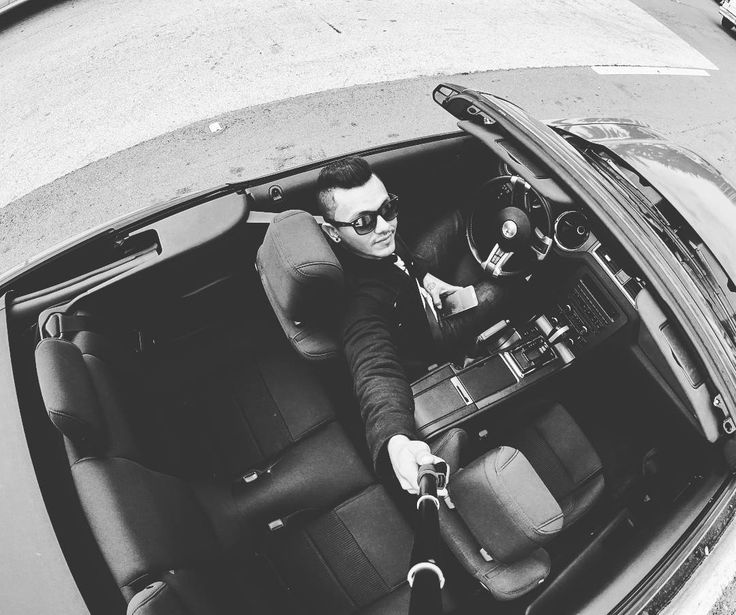 Fantastic day #fordmustang #convertible #fast #selfie #blackandwhite #menstyle #race #miamibeach #usa #photooftheday #fashion #phography #photographer #ph #tattoo #sunglasses #raybansunglasses by iamluna81