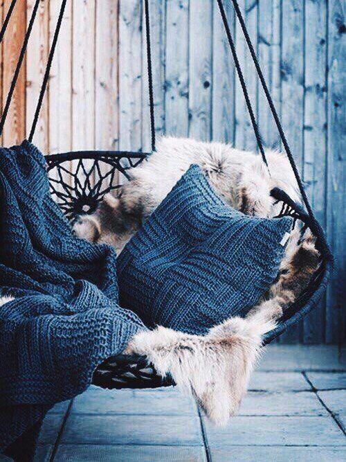 Уютное подвесное кресло