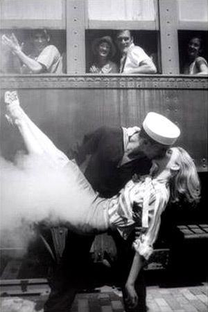 It's illegal to kiss on railways in France!!!! Don't think it ever stopped anyone! #frenchfacts