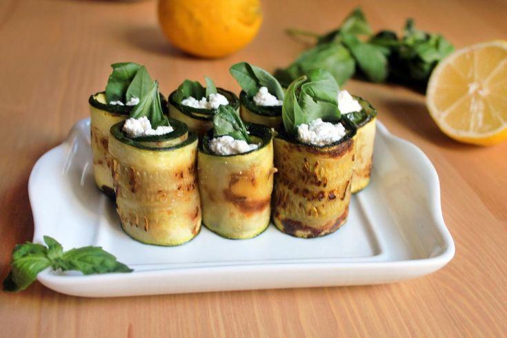 Rollitos de calabacín con queso panela - http://bit.ly/1G8yysk