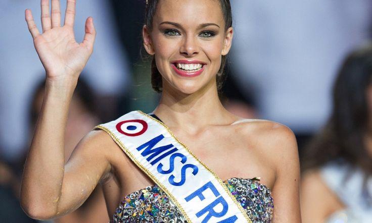 Marine Lorphelin, Miss Bourgogne a ete elue Miss France 2013 lors de la ceremonie de l'election Miss France 2013 retransmise en direct sur TF1 et presentee par Jean Pierre Foucault. Limoges, FRANCE - 08/12/2012.