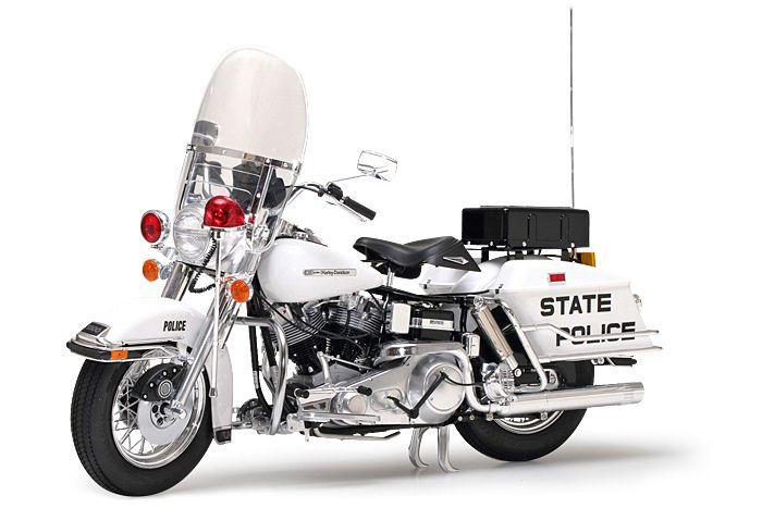 Tamiya 16038 Harley-Davidson® FLH Police Bike