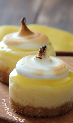 De de de deliciouuus! Mini Lemon Meringue Cheesecake