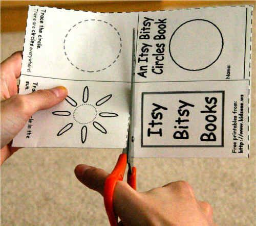 Kid Zone - Itsy Bitsy Books.  Directions how to make free printable books for every consonant.