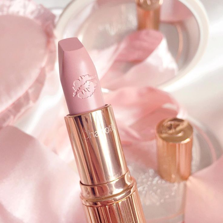 ♡ How can you not just LOVE Charlotte Tilbury's rose gold make-up packaging! This pinky nude lipstick would be heavenly with a bold cut crease eyeshadow 👑 We love EVERYTHING at Charlotte Tilbury make up at www.throwbackannie.com! Shop for body piercings to enhance your beauty look at www.throwbackannie.com! Get 10% off with code: PINTEREST 👑