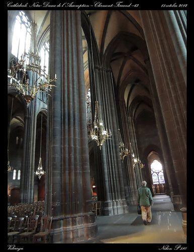 A l'intérieur de la cathédrale Notre Dame de l'Assomption - Clermont Ferrand- 63