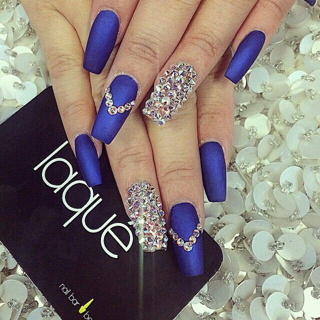 Blue luxury nailart