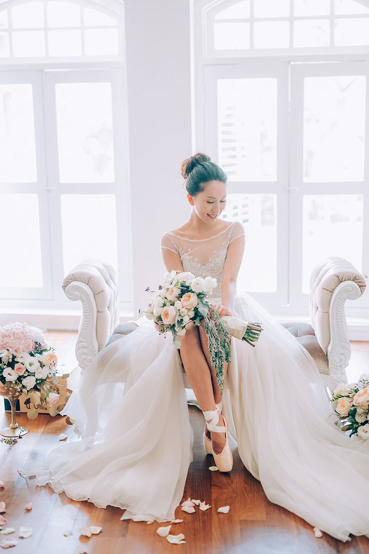 Ballerina Dreams: A Series of Beautiful Bridal Portraits // Ballet wedding inspiration {Facebook and Instagram: The Wedding Scoop}