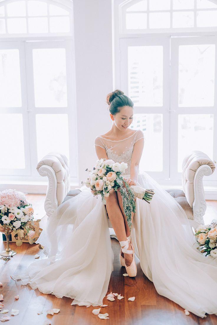 Ballerina Dreams: A Series of Beautiful Bridal Portraits // Ballet wedding inspiration {Facebook and Instagram: The Wedding Scoop}