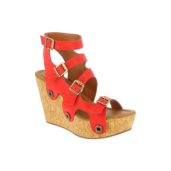 This strap is an Giovanna exclusive! it is designd for the fun loving Diva sole, and will only match her. Comfortable and bold, the red color of the Atanado material pops up and is a sensational color splash.