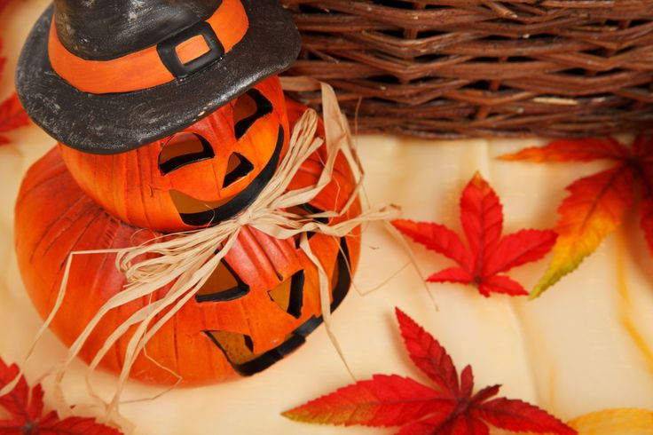 It's already October. That means the days are getting shorter, it gets colder outside and the leaves are turning brown. This also means that it's almost Halloween and then the pumpkins reappear. Id...