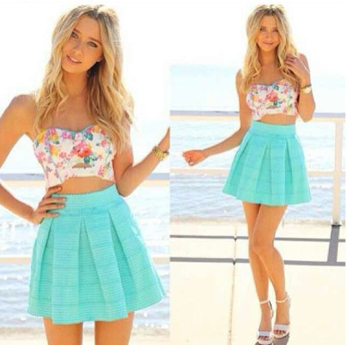 Floral skirt and crop top – Modern skirts blog for you