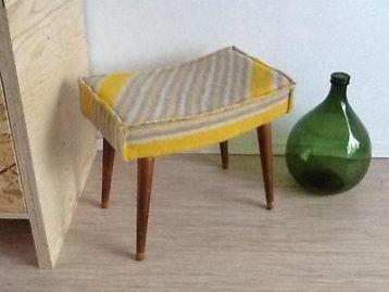 ≥ Vintage retro kruk met wollen deken zitting - Krukken en Barkrukken - Marktplaats.nl