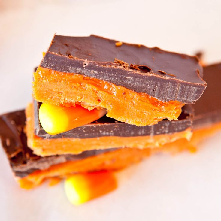 Butterfinger Bars  Surprise ingredient... at least try it.Halloween Recipe, S'Mores Bar, 3 Ingredients, Butterf Bar, Candies Corn, Bar Recipe, Homemade Butterfinger, Gluten Free, Butterfinger Bar