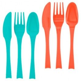 Choose from 2 colour options of our 18 pack plastic cutlery. Great for picnics, garden parties and days out as well as indoor use. Can be washed and reused or  easily disposed of after use. 6 spoons, 6 knives and 6 forks…