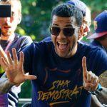 Dani Alves'in yeni takımı  http://www.sporadair.net/dani-alvesin-yeni-takimi-5008.html