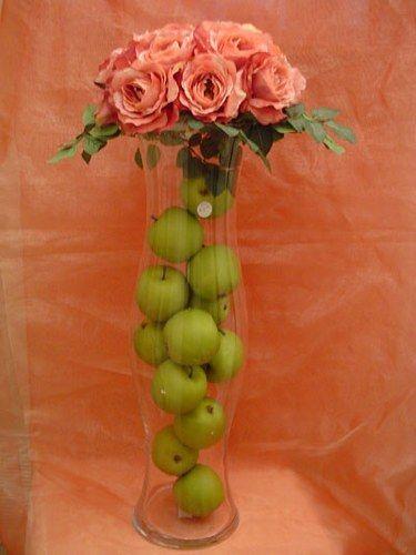 J'ai rassemblé quelques idées de décoration en rose fushia et vert anis, j'espère que cela aidera les futures mariées qui choisissent ces couleurs...