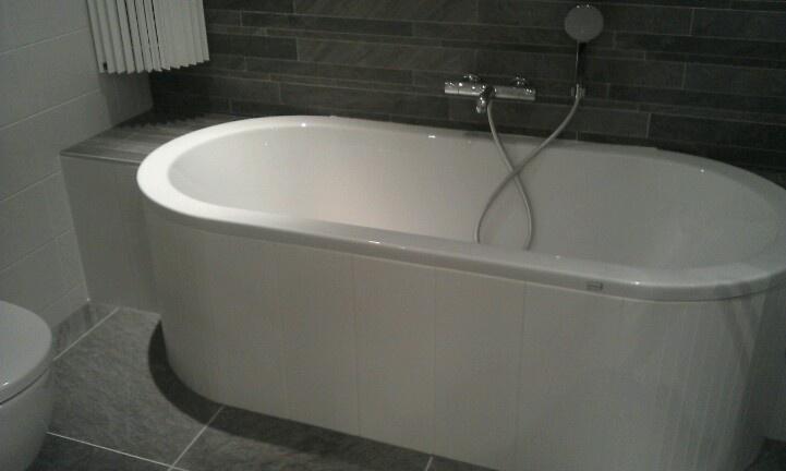 Half vrijstaand bad