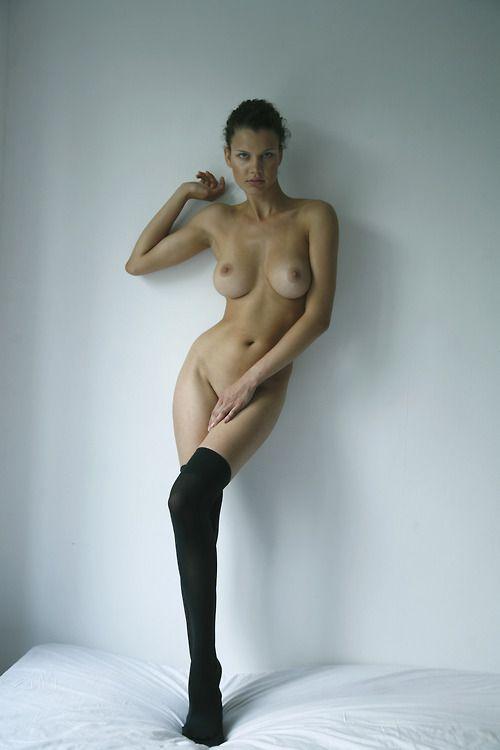sexy-busty-skinny-naked