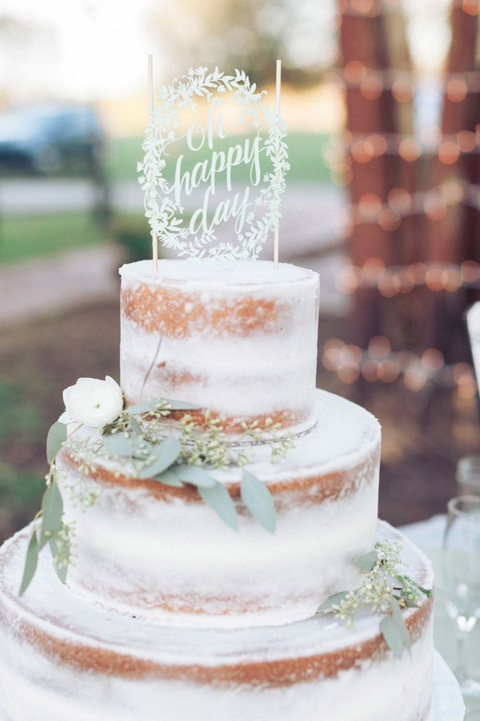 Chelsea and Jared's Vintage 60 Guest At-Home Louisiana Wedding. Photography by Micahla Wilson Photography. See more here.....@intimateweddings.com #weddingcake #smallweddings #realwedding
