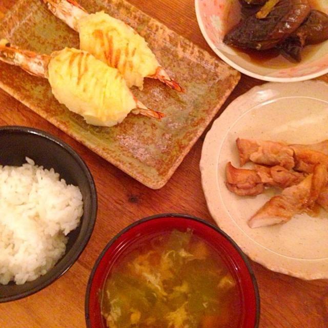 3月24日の晩御飯 - 3件のもぐもぐ - マッシュポテトのせ海老の焼物、エリンギの豚ロール、茄子の煮浸し、キャベツと卵のお吸い物 by カオリン