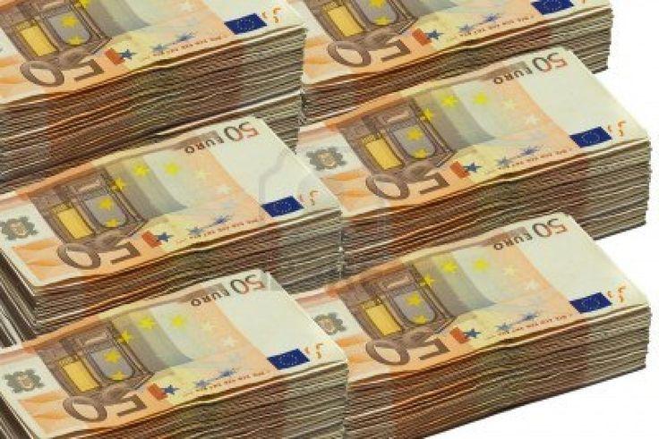 Stapel Von 50 Eurorechnungen Getrennt Auf Weiss Auf Euro