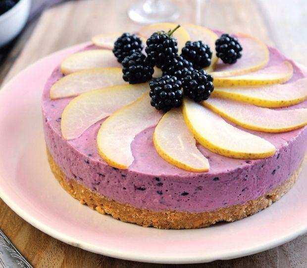 Černicový cheesecake s hruškami | Recepty.sk