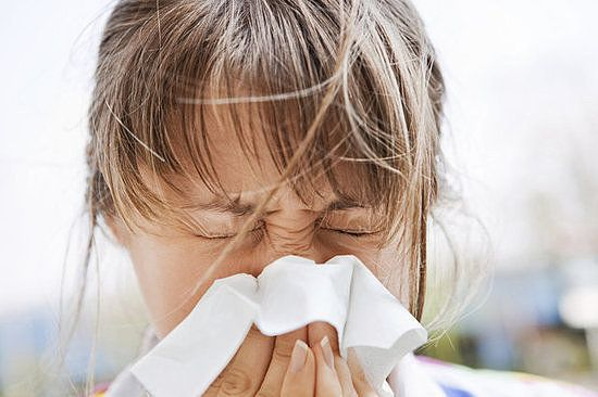 Sort Your Sniffles: Allergy Symptoms vs. Cold Symptoms
