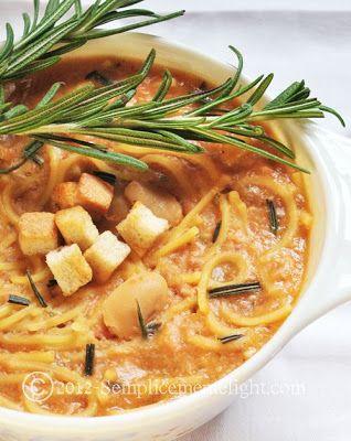 Zuppa di spaghettini con fagioli di spagna e pancetta affumicata