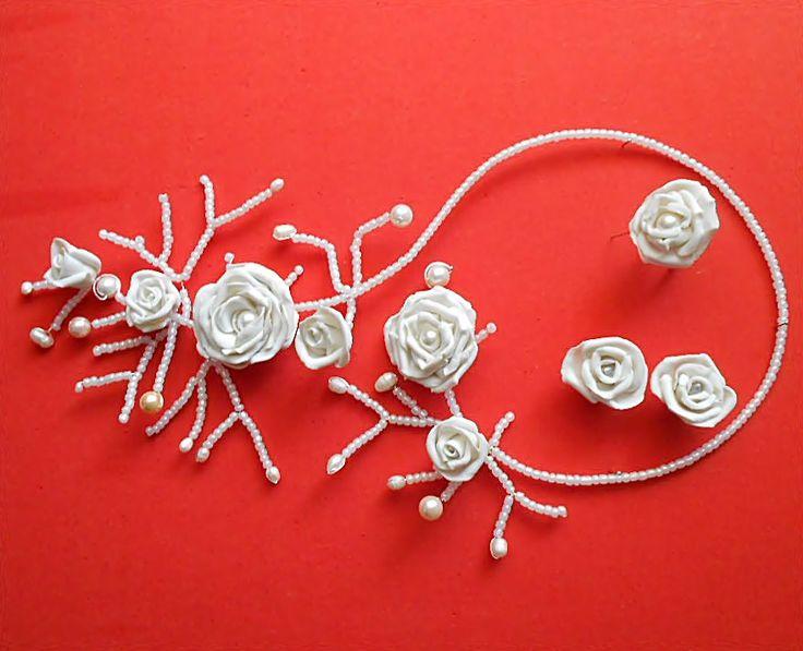 Set cu perle si trandafiri din cold porcelain pentru mireasa