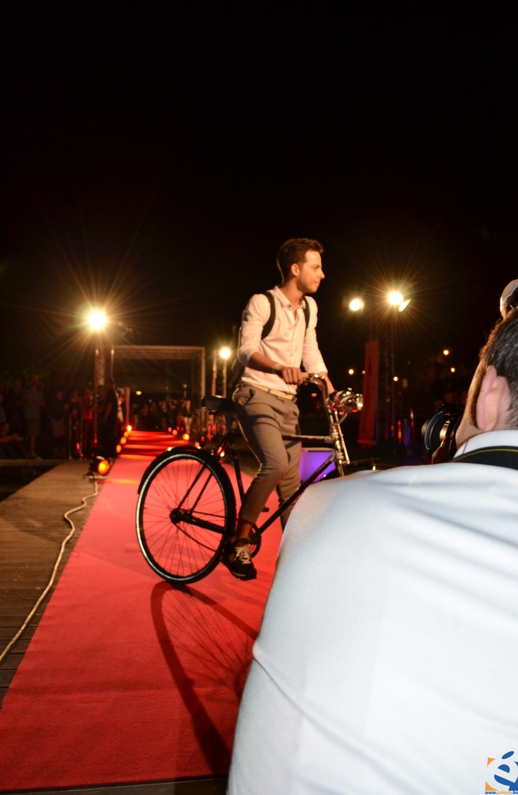 "Éder Krisztián 'SP', singer/photographer - Bringával a vörös szőnyegen (""With cycle on the red carpet"") event by InStyle Hungary and Hungarian Cycle Chic"