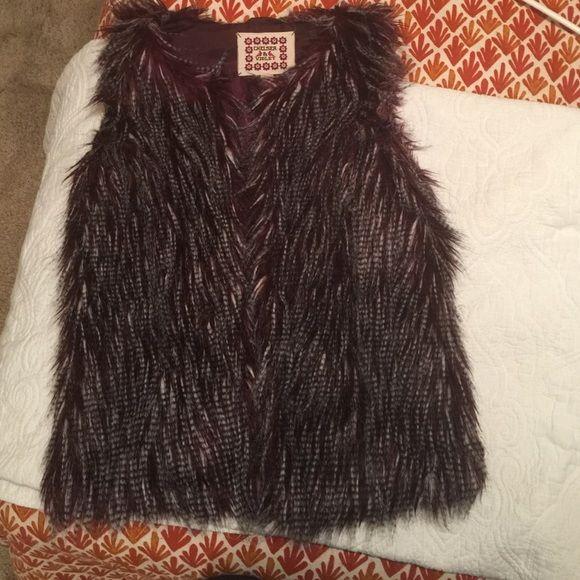 Faux fur vest Chelsea & Violet in excellent condition. Burgandy fur vest Chelsea & Violet Jackets & Coats Vests