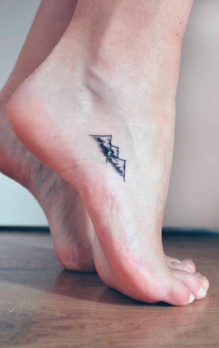 Schulter tattoos f 252 r frauen - Dezente Tattoo Ideen F R Frauen Fu Gebirge Natur