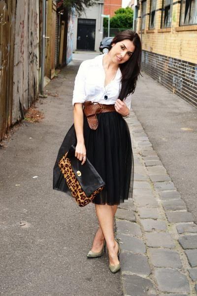 Черной короткой юбки белых трусах видео фото 130-77
