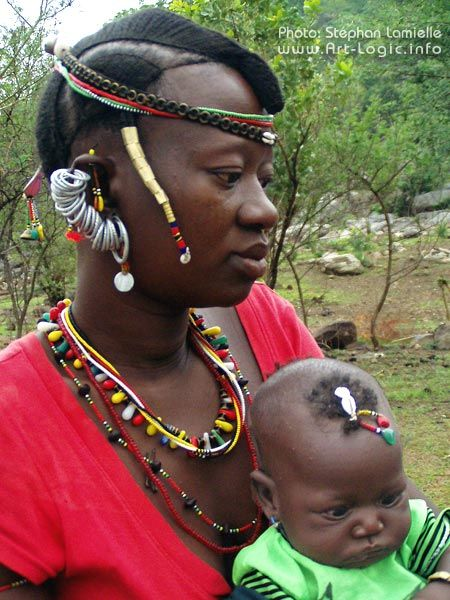 Africa | Bassari woman and child. Senegal | ©Stephan Lamielle.