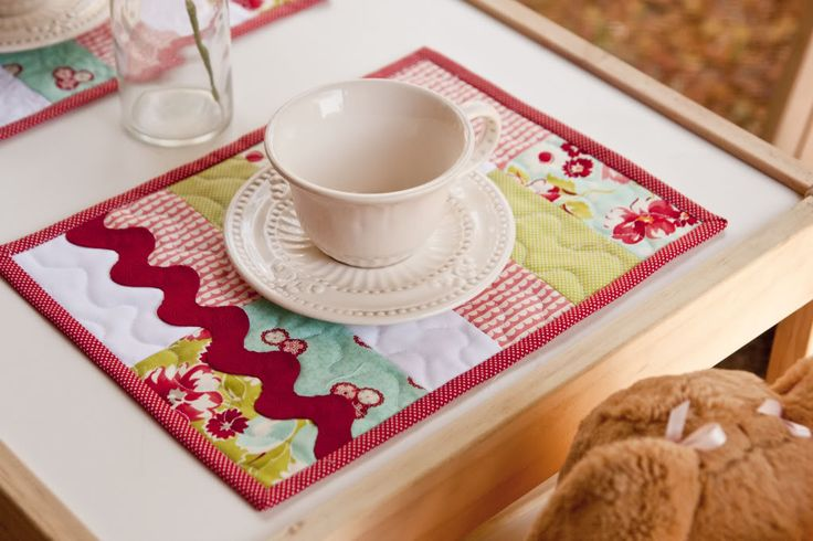 This tutorial is perfect for those of you who have never made a quilt but want to learn how. (These placemats are basically minature quilts, which means you will learn all the necessary quilting steps as you make them.)