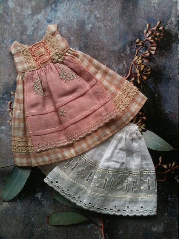 Apron dress Set for Blythe Pink check voile par moshimoshistudio