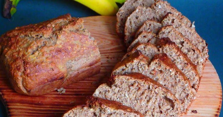 Pão de aveia e banana (Uma receita de bolo de banana com aveia e farinha integral saudável e saborosa. Muito boa para o pequeno almoço...e para aproveitar as bananas da fruteira que estão maduras demais)