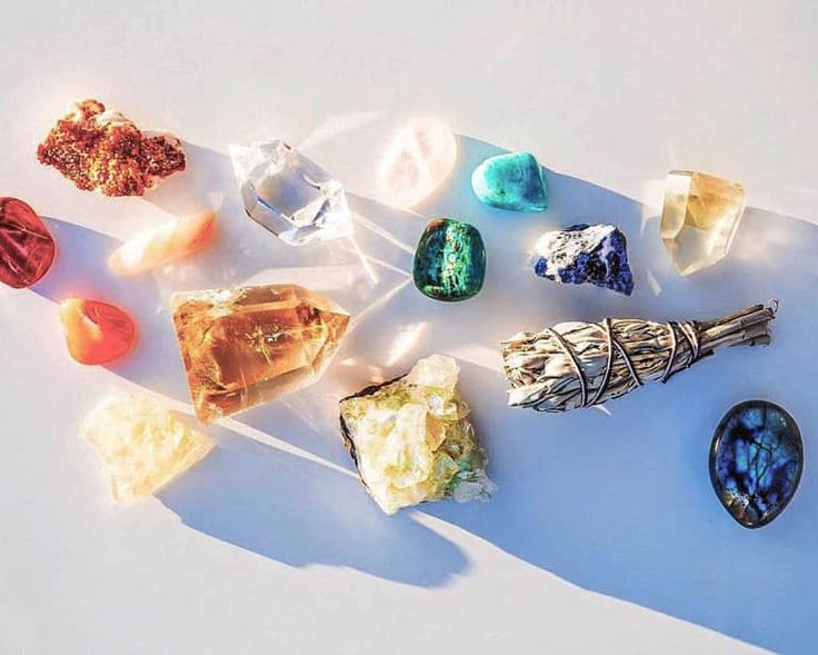 6 Crystals That Are Going To Have A Moment In 2018 The post 6 Crystals That Are Going To Have A Moment In 2018 appeared first on Botox Before And After. Gems And Minerals, Crystals Minerals, Crystals And Gemstones, Stones And Crystals, Diy Crystals, Gem Stones, Crystal Magic, Crystal Grid, Swarovski Jewelry