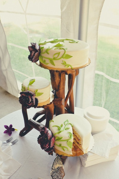 rustic wood cake stand & 751 best cake plates images on Pinterest | Cupcake stands Petit ...
